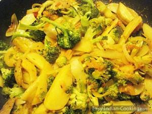 Broccoli Potato Fry – Aloo Broccoli Sabzi