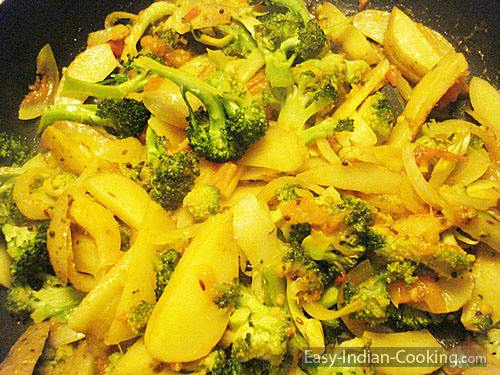 Broccoli Potato Fry – Aloo Broccoli Sabzi