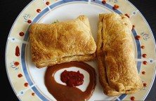 Vegetable Curry Puffs – Potato Peas Filling